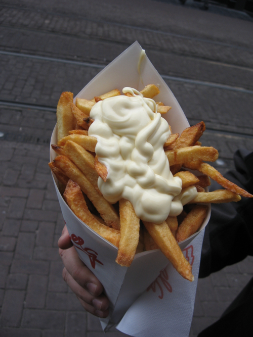 Cone_full_o_fries_with_mayo
